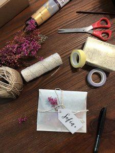 Pretty Simple DIY Gift Wrap